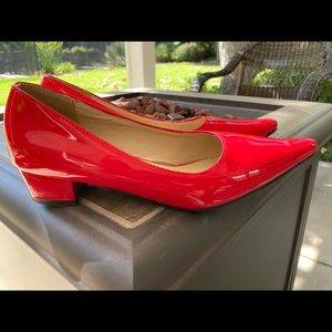 Red pumps size 39 (US 8)